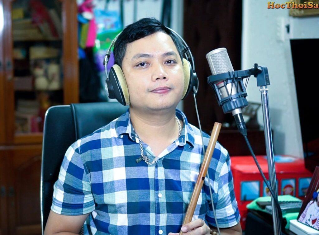 Học thổi sáo online hay tại trung tâm?